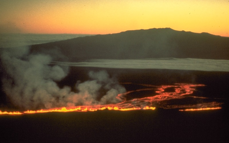 the mauna loa volcano essay Mauna loa is a giant, active basaltic shield volcano which rises over 4 km above sea level, another 5 km above the north-central pacific seafloor, and another 8 km above the isostatically depressed seafloor of the pacific plate, for a total volcanic height of 17 km.