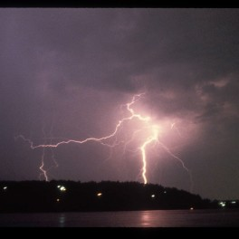 Photo of of onshore lightning strike by Dr Steven Businger