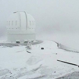 image of snow on Mauna Kea