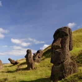 Moai (statues) on Rapa Nui. Credit: Terry Hunt.