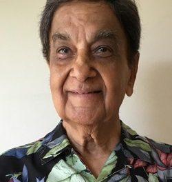 Head shot of Murli Manghnani