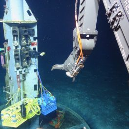 Collecting water samples from the subseafloor. Credit: WHOI, UCSC, US NSF.