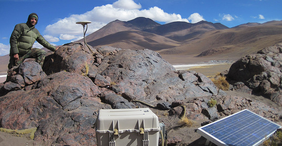 Jonathan Weiss while monitoring GPS-Ground Motion sensors in the Andean Highlands. Photo: J. Weiss.